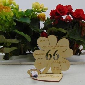 Geldgeschenkset ♥ Kleeblatt 11,7 cm ♥ Herzlichen Glückwunsch zum 66. ♥ mit Personalisierung - Handarbeit kaufen