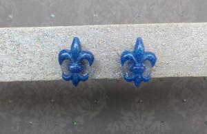 Fleur de Lis - handgefertigte, dezente Ohrringe in Form der französischen Lilie