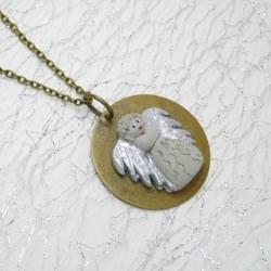 Halskette Beton Engel auf Messingscheibe - Glücksbringer -