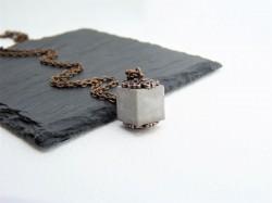Halskette mit Beton Würfel *Orient* - antikkupfer -