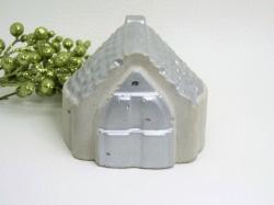 Kleines Beton Haus - massiv - metallic - silber -