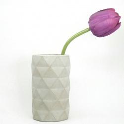 Handgefertigte Beton Vase mit geometrischem Muster