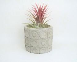 Blumentopf aus Beton - mit geometrischem Muster - handgefertigt