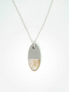 Halskette Beton Metallic-Muster - oval - handgefertigt