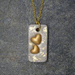 Halskette Beton *Goldige Herzen* - handgefertigt