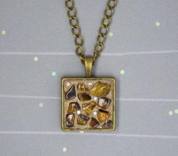 Halskette mit Tigerauge & Glaskristallen - vintagebronze - handgefertigt