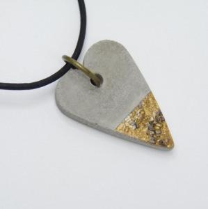 Halskette Beton - Herz aus Beton - goldmetallic - handgefertigt