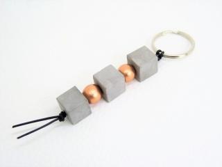 Beton Schlüsselanhänger - Taschenbaumler *kupfer* - handgefertigt