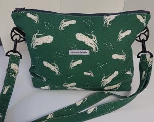 Umhängetasche grüner Canvas mit Tintenfischen  aus  Baumwolle , Handmade by la piccola Antonella - Handarbeit kaufen