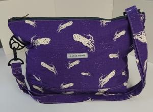 Umhängetasche lila Canvas mit Tintenfischen  aus  Baumwolle, Handmade by la piccola Antonella - Handarbeit kaufen