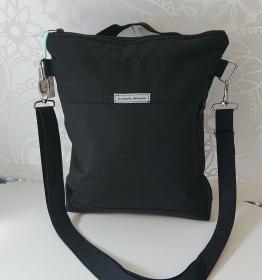 Umhängetasche aus Baumwollstoff, auch als Rucksack tragbar, in schwarz, Handmade by la piccola Antonella - Handarbeit kaufen