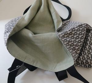 Einfacher Shopper , Einkaufstasche, aus beschichteter Baumwolle und farblich abgesetztes Innenfutter in hellgrau, Handmade by la piccola Antonella - Handarbeit kaufen