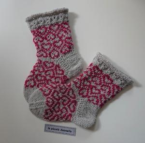 Handgestrickte bunte Wollsocken, Kindersocken - Mädchensocken  mit Herzen ,  Gr. 22/23  , Fairisle Socken, grau beere