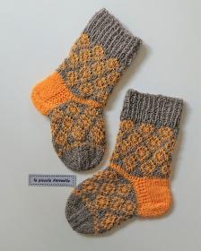 * RESERVIERT* Handgestrickte  Babysocken ,  Wollsöckchen in Gr. 20/21  , Fairisle Söckchen  mit gelben Kreisen