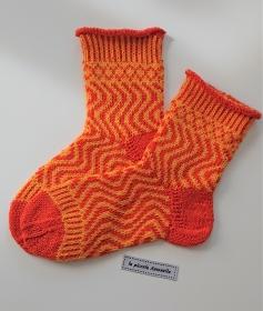 Handgestrickte bunte Wollsocken, Kindersocken ,  Gr. 32/33  , Fairisle Socken , orange gelb - Handarbeit kaufen