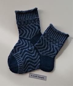 Handgestrickte bunte Wollsocken, Kindersocken, Gr. 24/25 , Fairisle Socken, blau - Handarbeit kaufen