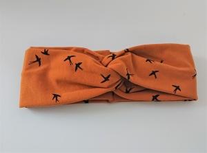 Stirnband genäht aus Baumwolle , doppelläufig mit Twist in senf mit kleinen Vögeln, Handmade by la piccola Antonella - Handarbeit kaufen