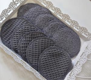 Zero Waste - Kosmetikpads , Abschminkpads aus Baumwolle - wiederverwendbar - waschbar  -  Set mit 10 Stück in 10 cm - Handmade by la piccola Antonella - Handarbeit kaufen