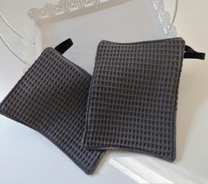 Waschlappen , Waschtuch, Seifentuch aus Baumwolle,  Waffelpique in grau, 2 Stück , Gr. ca. 18 x 13  cm - Handmade by la piccola Antonella