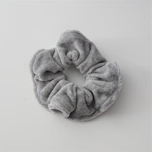 Scrunchy , 1Stück Haargummi aus Baumwollsamt , für Zopf und Dutt Frisuren, tragbar auch als Armband , in Silber Grau , Handmade by la piccola Antonella - Handarbeit kaufen
