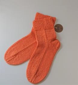 Gestrickte Socken aus Baumwolle in Orange , Gr. 41/42 , handgestrickt von la piccola Antonella