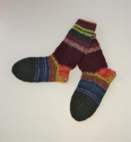 Gestrickte bunte dicke Socken mit Strukturmuster aus 6-fach Sockenwolle mit längeren Schaft -  Gr. 36/37 , handgestrickt von  la piccola Antonella - Handarbeit kaufen