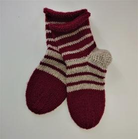 Gestrickte dicke Socken aus 8 - fach Sockenwolle in weinrot beige,  mit Ringeln  und Rollrand -  Gr. 36/37 , Kuschelsocken handgestrickt von  la piccola Antonella - Handarbeit kaufen