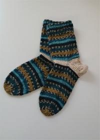 Gestrickte bunte dicke Socken aus 6-fach Sockenwolle in petrol türkis grün -  Gr. 38/39 , handgestrickt von  la piccola Antonella