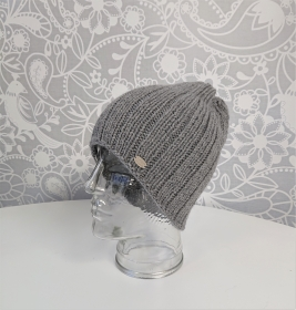 Gestrickte Mütze  Beanie  aus 100% Wolle  ( Merino ) in hell grau , Unisex,  handgestrickt / handmade by la piccola Antonella - Handarbeit kaufen