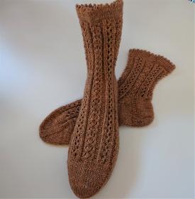 Gestrickte Socken mit Zopfmuster , 14 % Yak ,  Gr. 38/39 , handgestrickt von la piccola Antonella