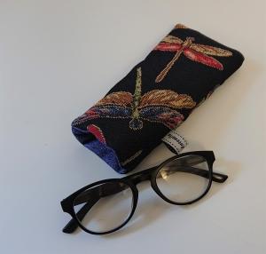 Brillenetui genäht in schwarz blau mit bunten Libellen , Handmade by la piccola Antonella - Handarbeit kaufen