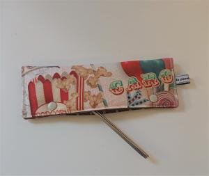 Stricknadelgarage , Stricknadeltasche mit Jahrmarkt Motiven für Nadelspiel 20 cm - Handarbeit kaufen