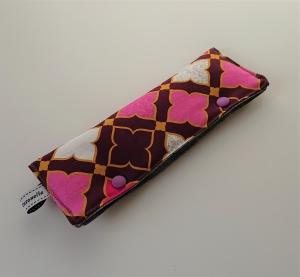 Stricknadelgarage , Stricknadeltasche mit Ornamenten in Beeren Tönen,  für Nadelspiel 20 cm - Handarbeit kaufen