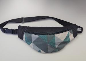 Bauchtasche mit grafischen Muster in grau grün , tragbar auch als Crossbag, Umhängetasche, handmade by la piccola Antonella - Handarbeit kaufen