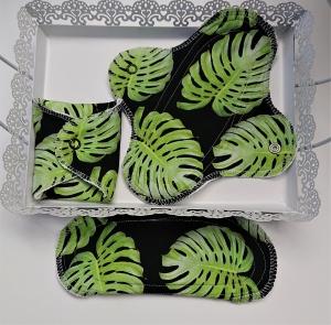 Waschbare Slipeinlagen / Binden aus Baumwolle mit Blättern in grün schwarz, 3 Stück, Zero Waste, handmade by la piccola Antonella - Handarbeit kaufen