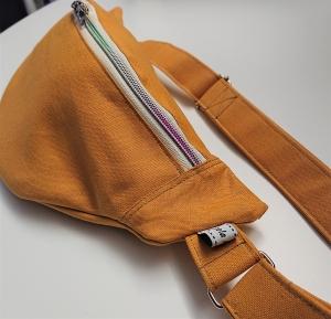 Bauchtasche in uni gelb mit bunten Reißverschluß, tragbar auch als Crossbag, Umhängetasche, handmade by la piccola Antonella - Handarbeit kaufen