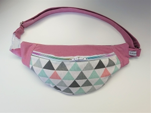 Bauchtasche Hüfttasche in rosa mit bunten Dreicken, tragbar auch als Crossbag, Umhängetasche, handmade by la piccola Antonella - Handarbeit kaufen