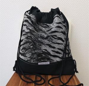 Turnbeutel, Festivaltasche, Rucksack, Tiger Print in schwarz weiß silber , Handmade by la piccola Antonella - Handarbeit kaufen