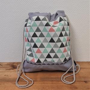 Turnbeutel, Festivaltasche, Rucksack in pastell und grau mit Dreiecken, Handmade by la piccola Antonella - Handarbeit kaufen