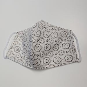 Mund - und Nasen - Maske in weiß mit braunen Ornamenten, 2 lagig, dünne Baumwolle  , KEIN Virenschutz , handmade by la piccola Antonella - Handarbeit kaufen