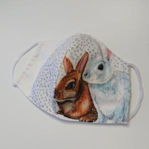 Mund - und Nasen - Maske mit Hasen, 2 lagig aus dünner Baumwolle  , KEIN Virenschutz , handmade by la piccola Antonella