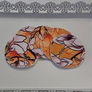 Kosmetikpads , Abschminkpads aus Baumwolle in gelb mit Blumen Motiv, waschbar - wiederverwendbar , Set mit  5 Stück in 8 cm, handmade by la piccola Antonella - Handarbeit kaufen