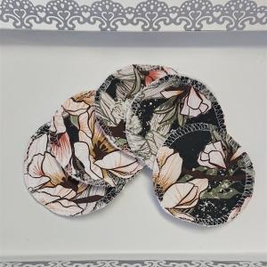 Kosmetikpads , Abschminkpads aus Baumwolle in grün mit Blumen Motiv, waschbar - wiederverwendbar , Set mit  5 Stück in 8 cm, handmade by la piccola Antonella - Handarbeit kaufen