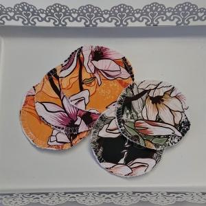 Kosmetikpads , Abschminkpads aus Baumwolle in gelb und grün mit Blumen Motiv, waschbar - wiederverwendbar , Set mit  5 Stück in 8 cm, handmade by la piccola Antonella - Handarbeit kaufen