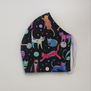 Mund - und Nasen - Maske für Schul Kinder in schwarz mit bunten Katzen, 2 lagig aus  Baumwolle  , KEIN Virenschutz , handmade by la piccola Antonella