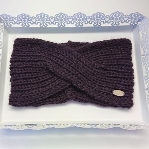 Gestricktes Stirnband in Brombeere aus 100%  Alpaka , gekreuzter  Twist ,  handgestrickt von la piccola Antonella - Handarbeit kaufen