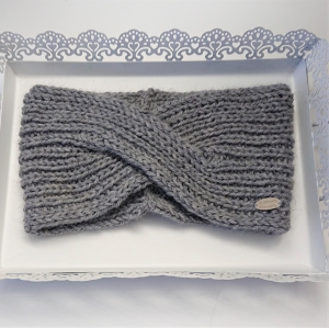 Gestricktes Stirnband in hell grau aus 100%  Alpaka , gekreuzter  Twist ,  handgestrickt von la piccola Antonella - Handarbeit kaufen