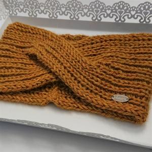 Gestricktes Stirnband in senf gelb aus 100%  Alpaka , gekreuzter  Twist ,  handgestrickt von la piccola Antonella - Handarbeit kaufen
