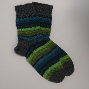 Gestrickte Socken für den Mann in blau grün grau Tönen, Gr. 44/45 aus 6 fädiger Sockenwolle, Wollsocken, Kuschelsocken, handgestrickt von la piccola Antonella