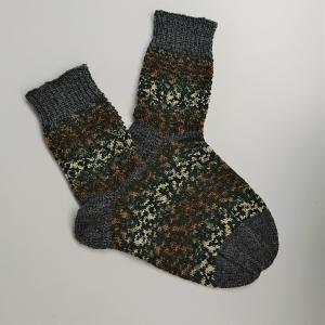Gestrickte Socken für den Mann in grau braun beige, Gr. 42/43 aus 6 fädiger Sockenwolle, Wollsocken, Kuschelsocken, handgestrickt von la piccola Antonella
